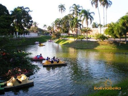 Parks and plazas in Santa Cruz, Bolivia