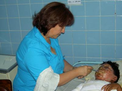 5 year old Burn Victim in 2005, Tery at his bedside