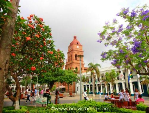 Plaza 24 de septiembre santa cruz bolivia relax and for Casa la mansion santa cruz bolivia