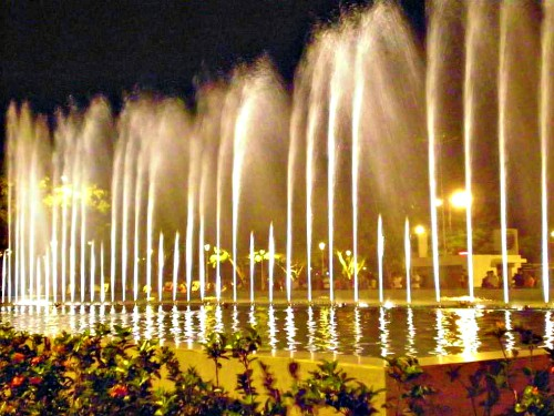 Aguas Danzantes: the Dancing Waters Fountain in Santa Cruz, Bolivia