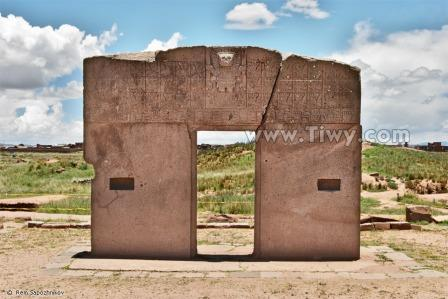 Puerta del Sol (Gate of the Sun) Tiahuanaco Bolivia