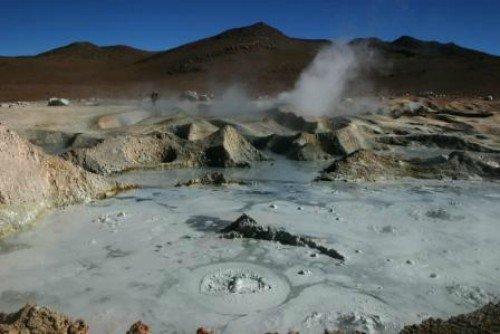 Salar de Uyuni Bolivia Fumaroles